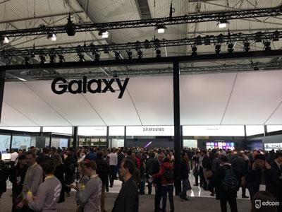 Galaxy Note 9 : Samsung renonce à mettre son capteur d'empreintes au dos de l'appareil