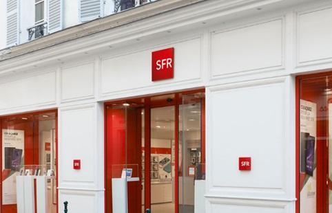 sfr-lance-deux-series-speciales-anniversaire-pour-le-fixe-et-mobile-a-25-euros-a-vie