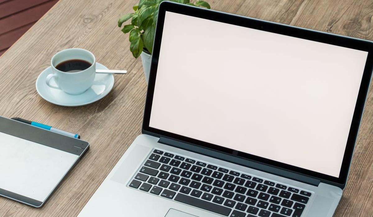 Internet pas cher : Les 4 meilleures offres Fibre chez Orange, Free, Bouygues Telecom et SFR