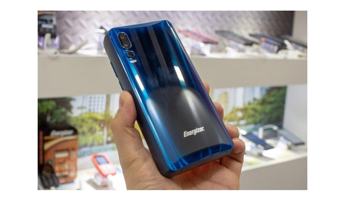 Power Max P18K Pop : le smartphone Energizer doté d'une batterie de 18 000 mAh