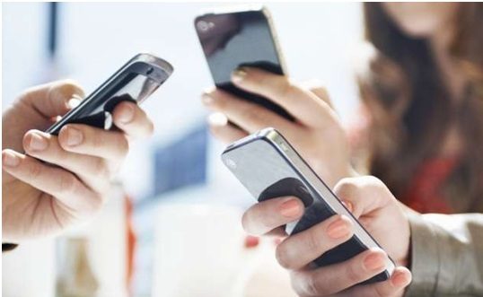 top-3-des-forfaits-illimites-20go-a-10-euros-sosh-by-orange-red-by-sfr-et-bouygues-telecom