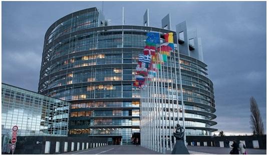 Fin des frais de roaming : Bruxelles pose quelques limites
