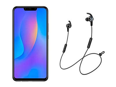 Le Huawei P Smart Plus avec les écouteurs