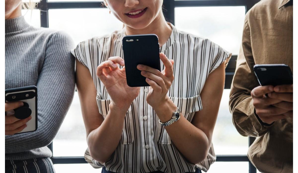 Trois bons plans Smartphones chez Rakuten : One Plus 6T, Xiaomi Mi 8 Pro et Huawei Mate 20 Pro !