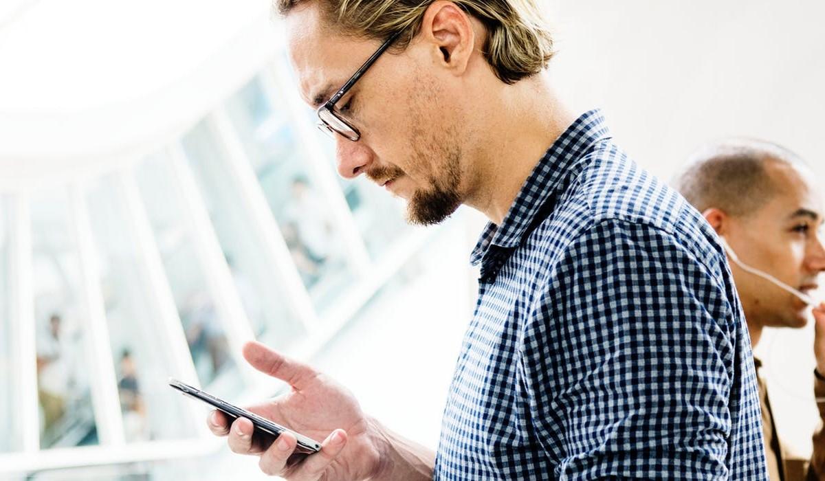 forfait-mobile-l-offre-b-you-50go-avec-internet-illimite-le-week-end-a-14-99-euros-mois-prolongee