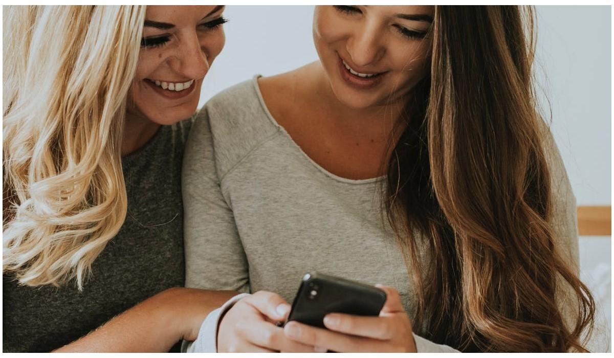 Forfait RED vs B&You : Quelle promo choisir pour votre abonnement mobile pas cher avec 40Go ou 60Go ?