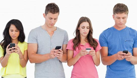 quel-est-le-meileur-bon-plan-red-by-sfr-nrj-mobile-bouygues-telecom-ou-la-poste-mobile