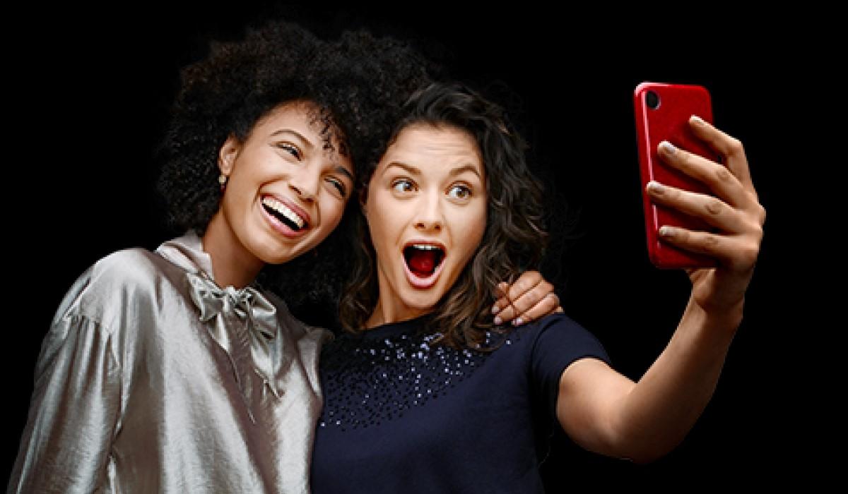 Bon plan SFR : une remise de 100 euros pour l'achat d'un Huawei P30 Pro, Mi9 ou iPhone 8 pour les jeunes actifs !
