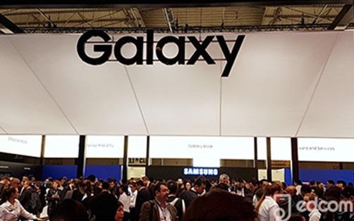 stand samsung Galaxy au MWC2017