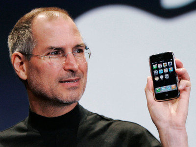 dix-ans-que-la-revolution-de-l-iphone-a-changee-nos-vies